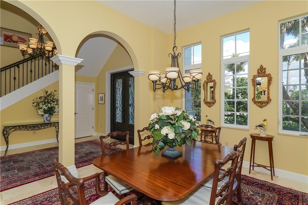 Single Family Home for sale at 1179 Morningside Pl, Sarasota, FL 34236 - MLS Number is A4209174