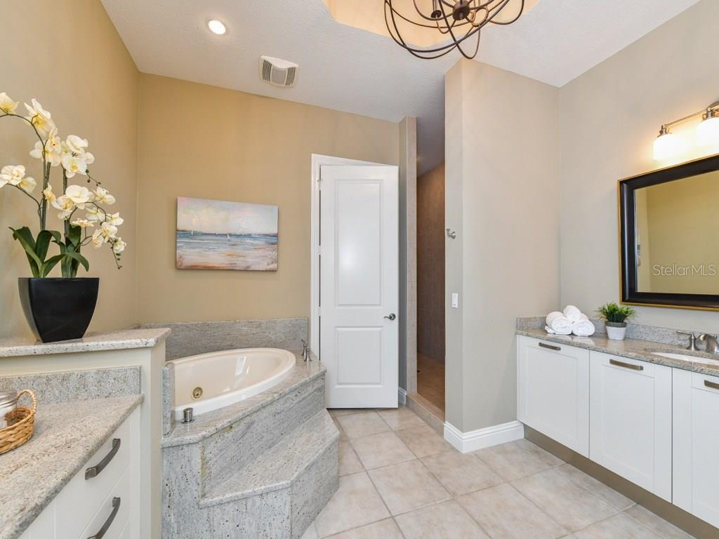 Master bath, dual sinks, walk-in shower, soaker tub. Toilet and Bidet. - Condo for sale at 888 S Orange Ave #ph-C, Sarasota, FL 34236 - MLS Number is A4209372