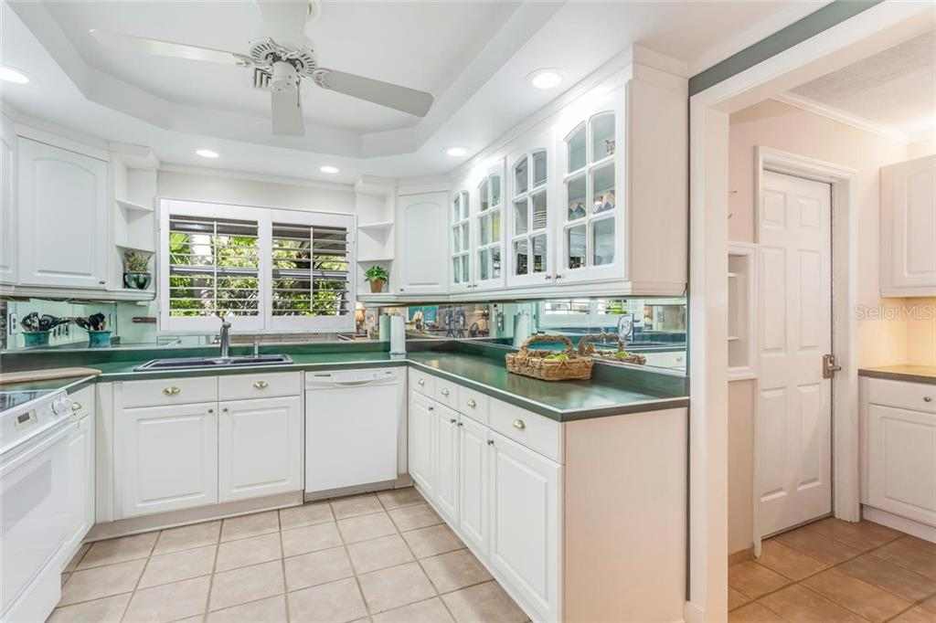 Kitchen - Single Family Home for sale at 5634 Cape Leyte Dr, Sarasota, FL 34242 - MLS Number is A4209556