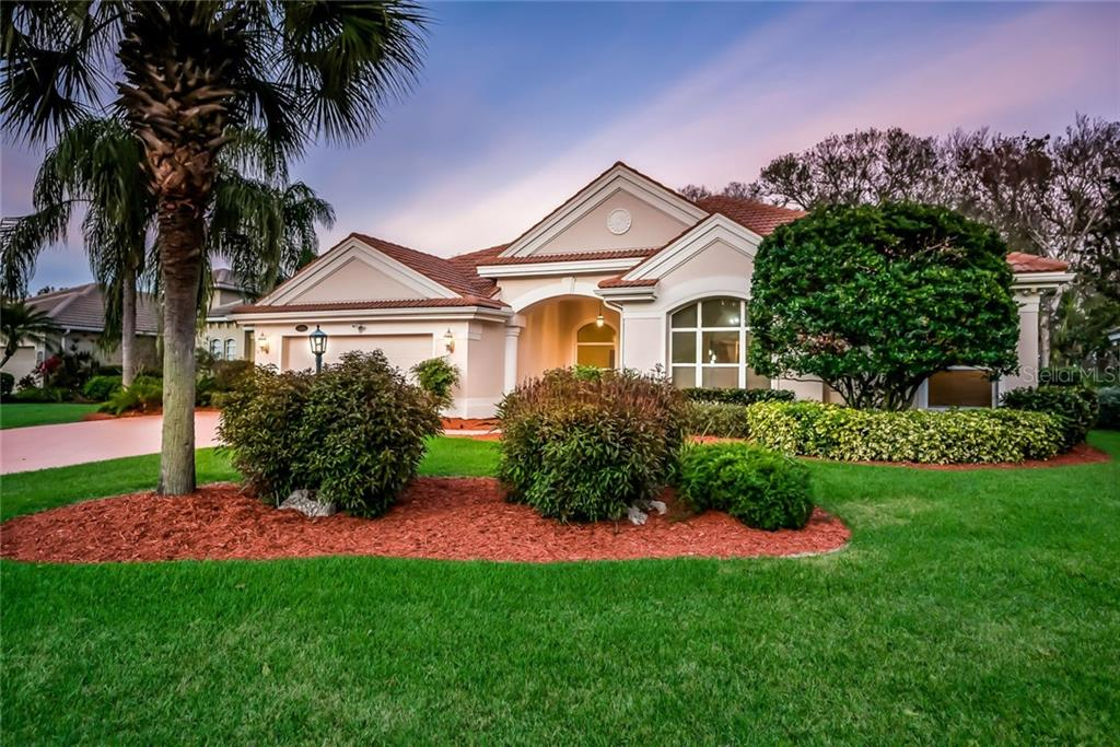Single Family Home for sale at 7005 Treymore Ct, Sarasota, FL 34243 - MLS Number is A4210249