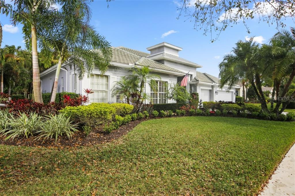 Single Family Home for sale at 13140 Peregrin Cir, Bradenton, FL 34212 - MLS Number is A4211778