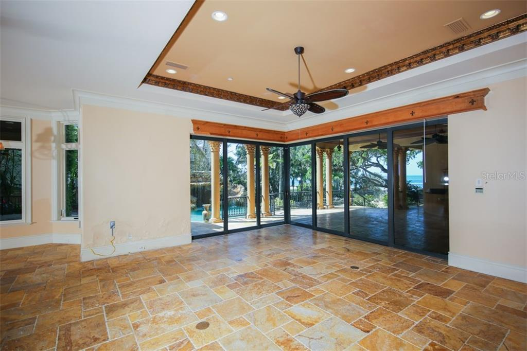 Single Family Home for sale at 4011 Shell Rd, Sarasota, FL 34242 - MLS Number is A4213545