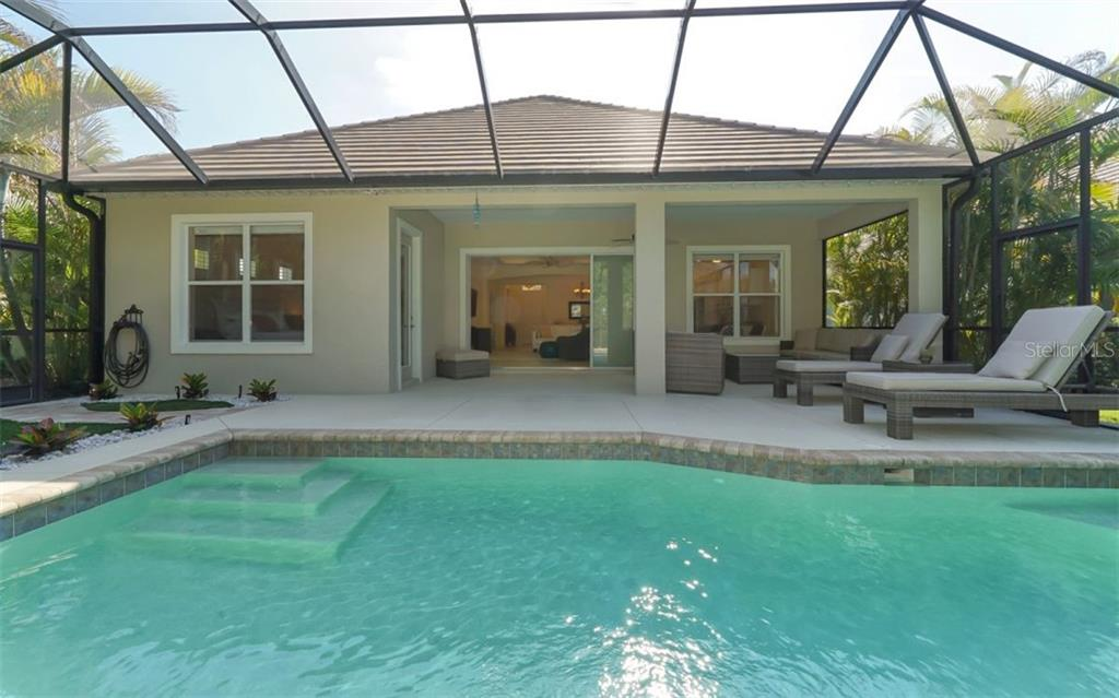 Single Family Home for sale at 12205 Thornhill Ct, Lakewood Ranch, FL 34202 - MLS Number is A4400896