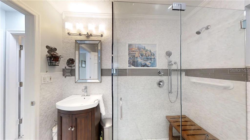 love this bathroom! - Single Family Home for sale at 9011 Kingston Rd, Bradenton, FL 34210 - MLS Number is A4402527