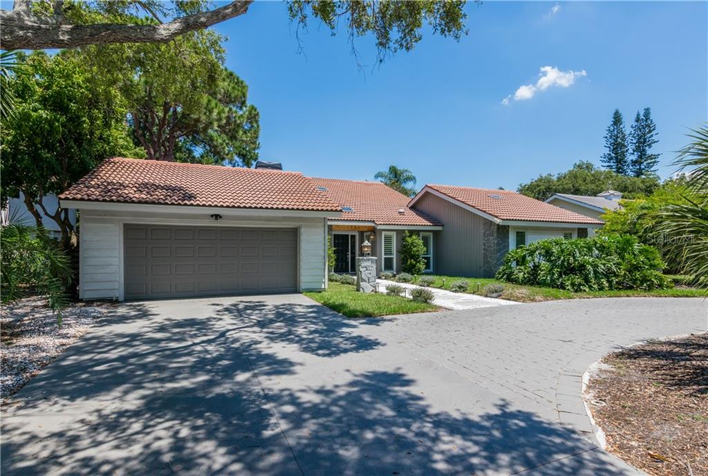 Single Family Home for sale at 1733 Pine Harrier Cir, Sarasota, FL 34231 - MLS Number is A4402775