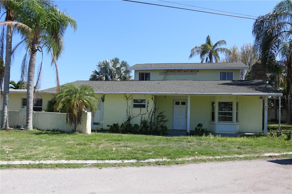 Single Family Home for sale at 7794 Holiday Dr, Sarasota, FL 34231 - MLS Number is A4402803