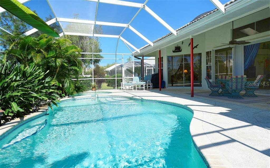 Pool - Single Family Home for sale at 536 Westmount Ln, Venice, FL 34293 - MLS Number is A4402821