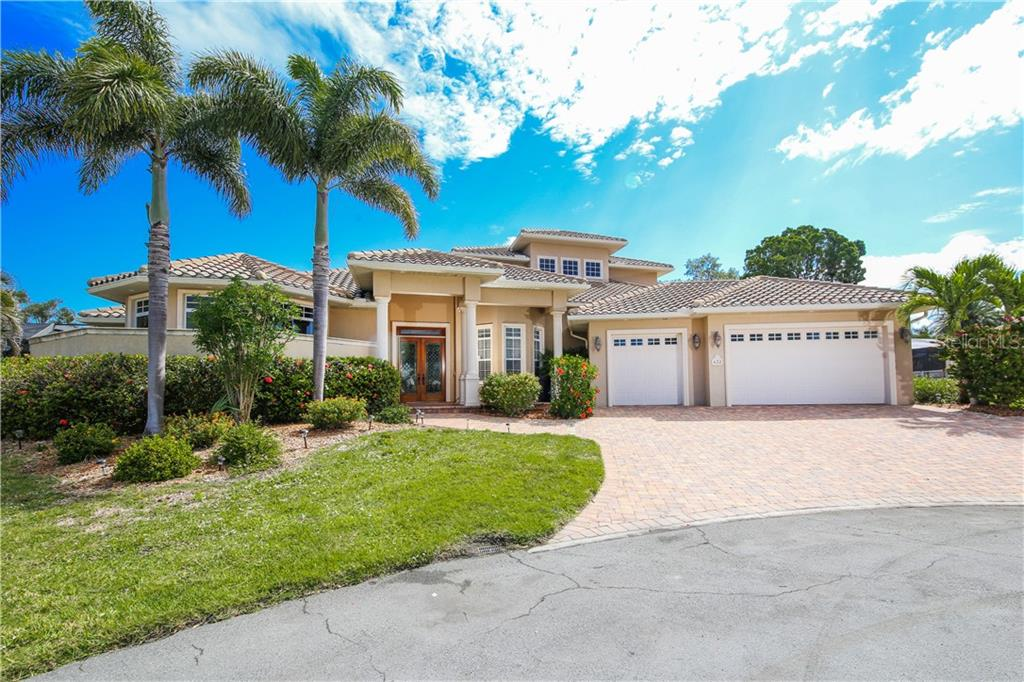 Single Family Home for sale at 432 Sorrento Dr, Osprey, FL 34229 - MLS Number is A4402898