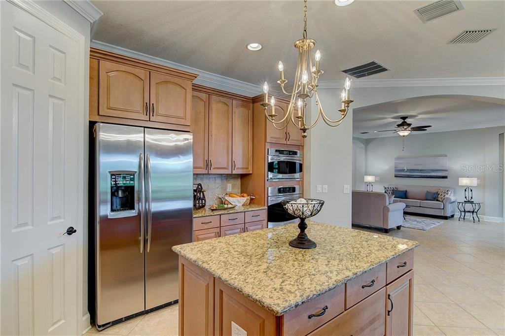 Energy Rating - Single Family Home for sale at 5222 Castello Ln, Bradenton, FL 34211 - MLS Number is A4403587