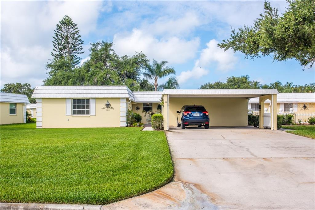 Villa for sale at 5848 Driftwood Pl #38, Sarasota, FL 34231 - MLS Number is A4404464