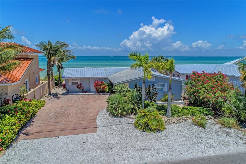 Single Family Home for sale at 506 S Bay Blvd, Anna Maria, FL 34216 - MLS Number is A4404592