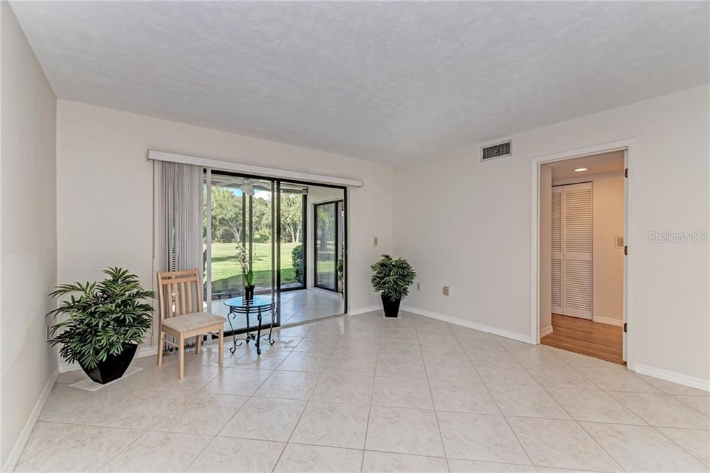 Guest bedroom - Condo for sale at 7670 Eagle Creek Dr, Sarasota, FL 34243 - MLS Number is A4406667