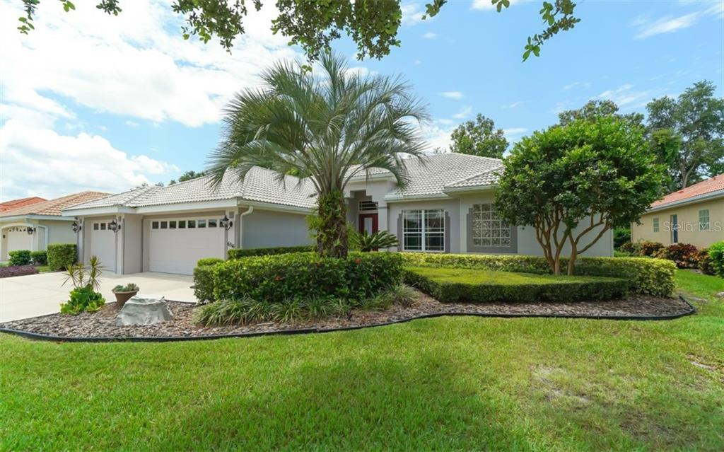 New Supplement - Single Family Home for sale at 6316 Westward Pl, University Park, FL 34201 - MLS Number is A4406687
