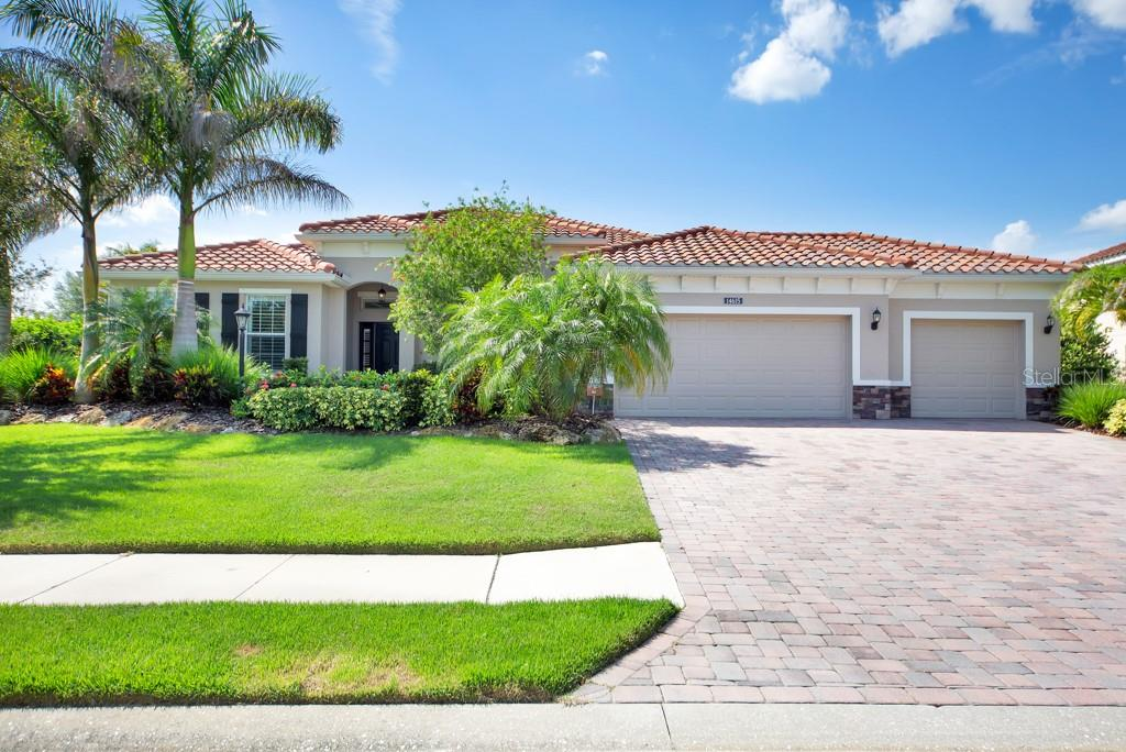 HOA - Single Family Home for sale at 14615 Sundial Pl, Lakewood Ranch, FL 34202 - MLS Number is A4407990