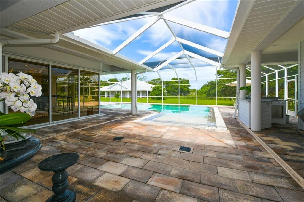 Single Family Home for sale at 5818 Bee Ridge Road Ext, Sarasota, FL 34241 - MLS Number is A4410072