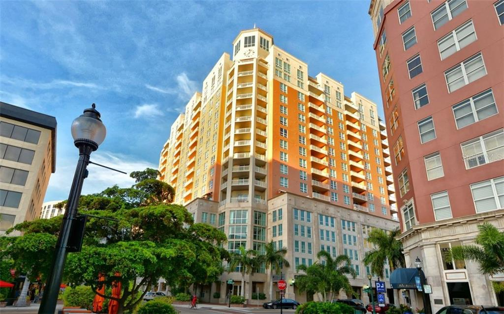 In the heart of downtown Sarasota! - Condo for sale at 1350 Main St #1007, Sarasota, FL 34236 - MLS Number is A4410487