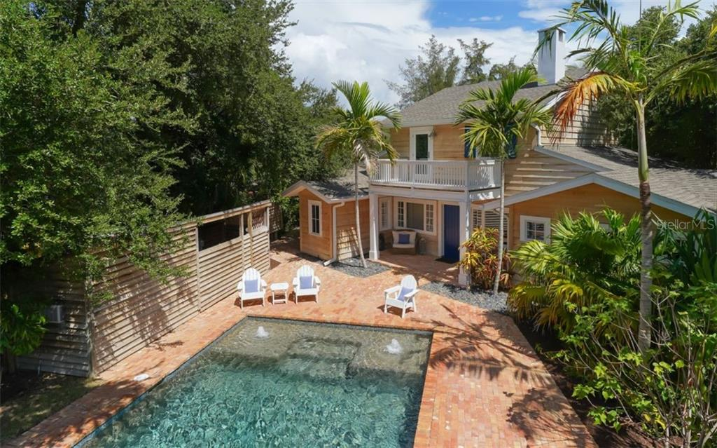 Welcome to Paradise! - Single Family Home for sale at 138 Island Cir, Sarasota, FL 34242 - MLS Number is A4412265