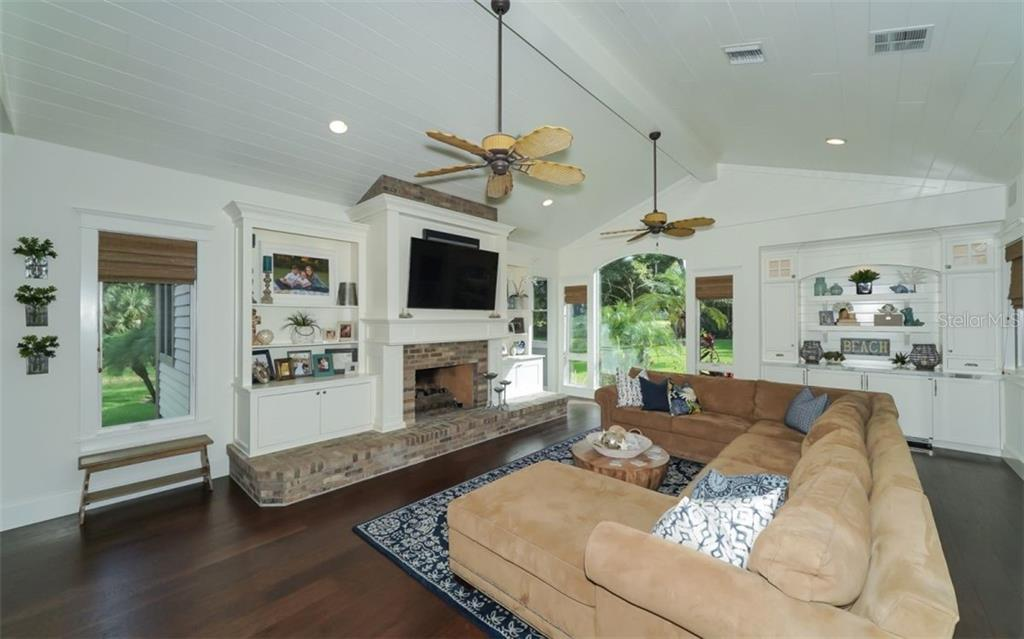 Family Room/Great Room - Single Family Home for sale at 3183 Dick Wilson Dr, Sarasota, FL 34240 - MLS Number is A4412326