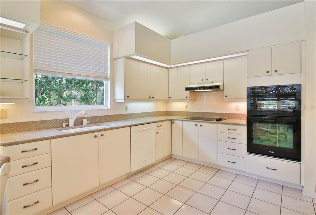 Plenty of storage space. - Villa for sale at 7686 Calle Facil, Sarasota, FL 34238 - MLS Number is A4413755