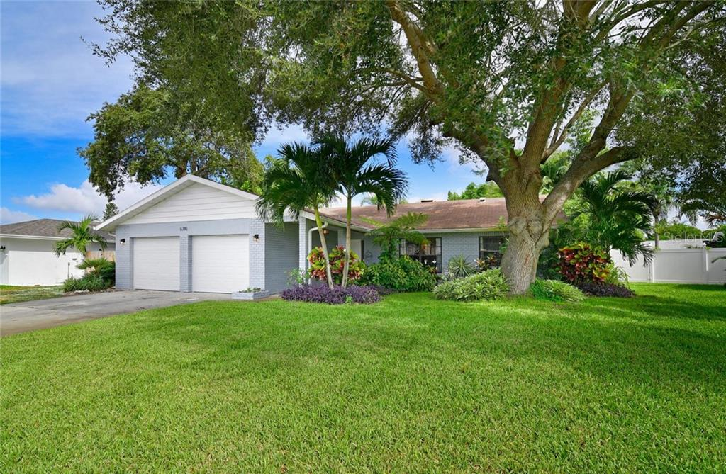 Single Family Home for sale at 6710 22nd Ave W, Bradenton, FL 34209 - MLS Number is A4413869