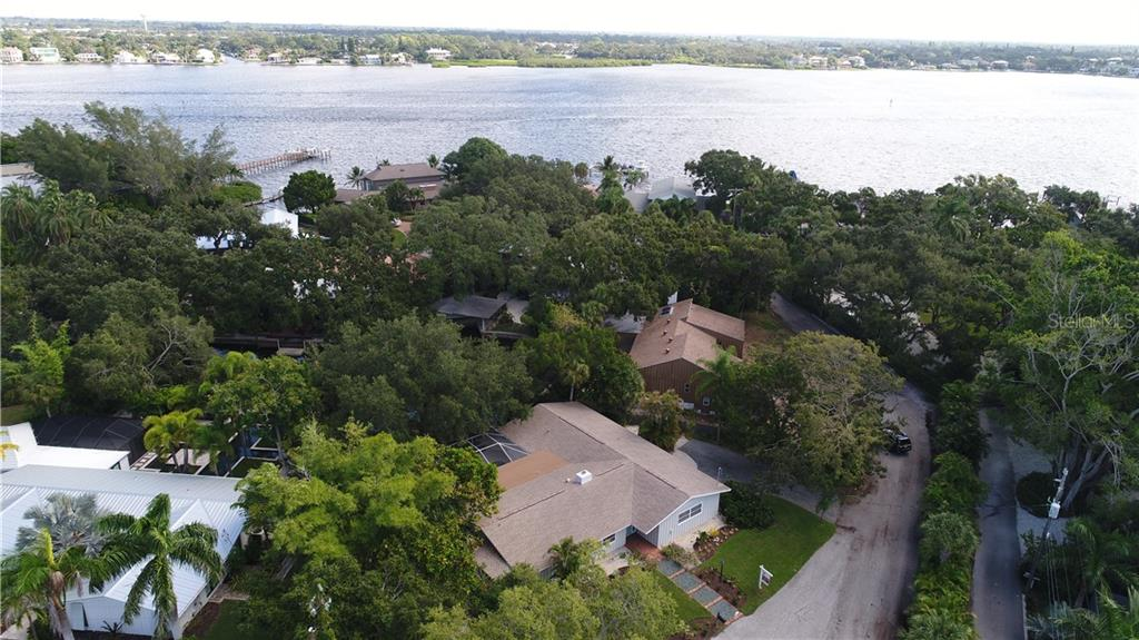 Neighborhood Information - Single Family Home for sale at 1255 Whitehall Pl, Sarasota, FL 34242 - MLS Number is A4414071