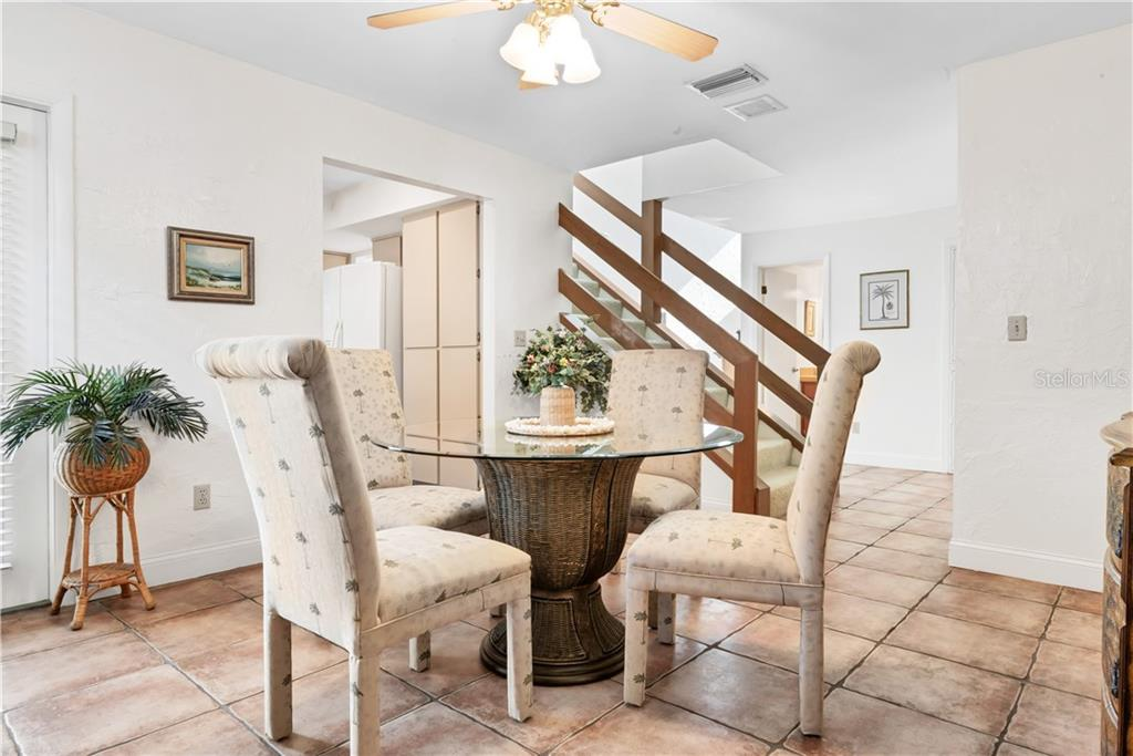 The light and bright dining area - Single Family Home for sale at 5214 S Riverview Cir, Homosassa, FL 34448 - MLS Number is A4414387