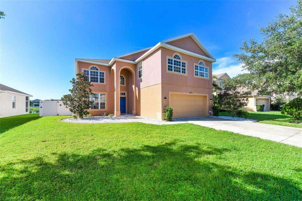 Single Family Home for sale at 5216 58th Ter E, Bradenton, FL 34203 - MLS Number is A4414515
