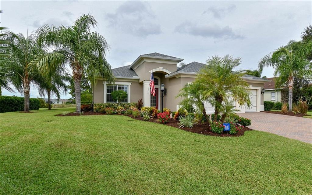 Single Family Home for sale at 1535 Hickory View Cir, Parrish, FL 34219 - MLS Number is A4415161