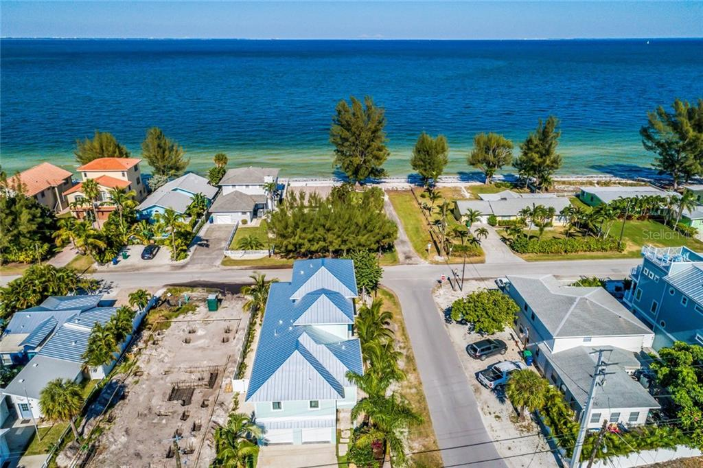 Single Family Home for sale at 602 N Bay Blvd, Anna Maria, FL 34216 - MLS Number is A4418208