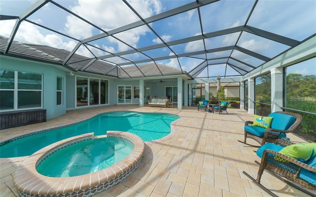 Single Family Home for sale at 4028 Mayors Ct, Sarasota, FL 34240 - MLS Number is A4418560