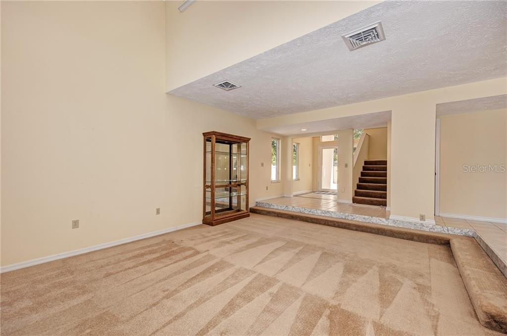 LIVING ROOM - Single Family Home for sale at 5110 Sun Cir, Sarasota, FL 34234 - MLS Number is A4420424