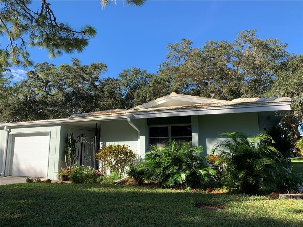 Front - Villa for sale at 1528 Stafford Ln #1210, Sarasota, FL 34232 - MLS Number is A4421860