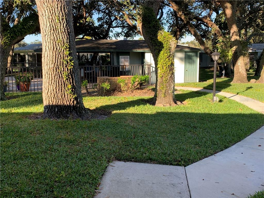 individual  Walkway to Pool - Villa for sale at 1528 Stafford Ln #1210, Sarasota, FL 34232 - MLS Number is A4421860