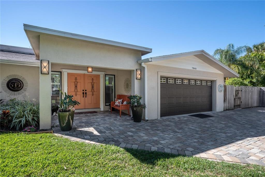 Single Family Home for sale at 7840 Midnight Pass Rd, Sarasota, FL 34242 - MLS Number is A4423554
