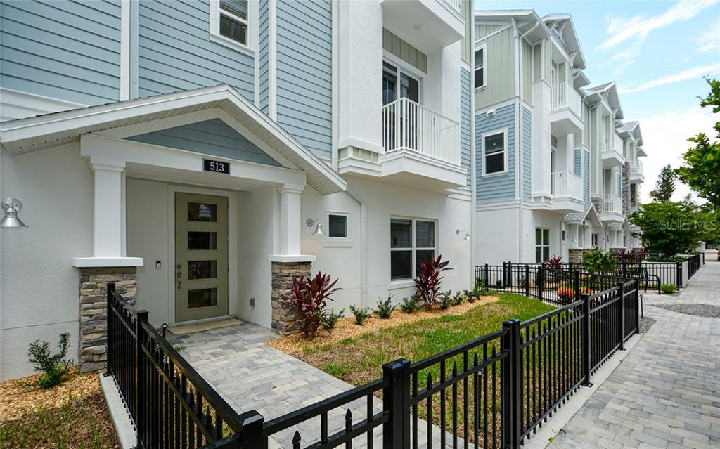 Condo Rider - Townhouse for sale at 513 Lafayette Ct, Sarasota, FL 34236 - MLS Number is A4424253