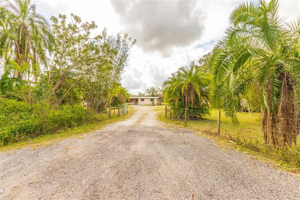 Misc Discl - Single Family Home for sale at 5915 77th St E, Palmetto, FL 34221 - MLS Number is A4424348