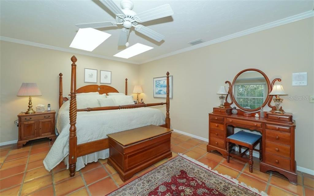 Master bedroom with skylights - Single Family Home for sale at 510 63rd St Nw, Bradenton, FL 34209 - MLS Number is A4424601