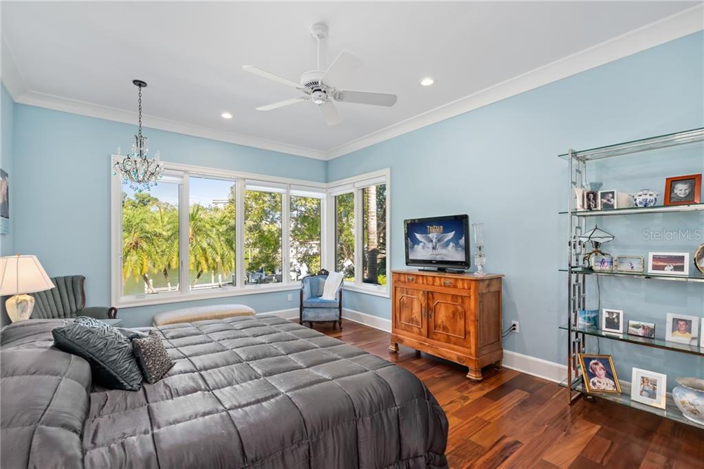 Screened in lanai. - Single Family Home for sale at 1575 Bay Point Dr, Sarasota, FL 34236 - MLS Number is A4425602