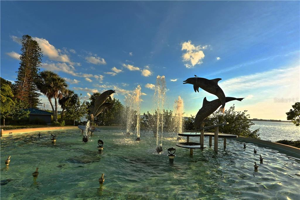 A beautiful fountain in Bayside Park. - Condo for sale at 1283 Fruitville Rd #a, Sarasota, FL 34236 - MLS Number is A4426039