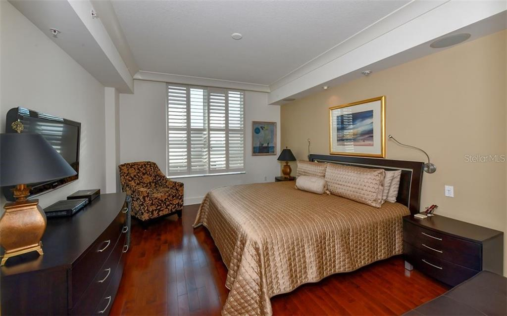 Master bedroom - Condo for sale at 1350 Main St #1201, Sarasota, FL 34236 - MLS Number is A4427507
