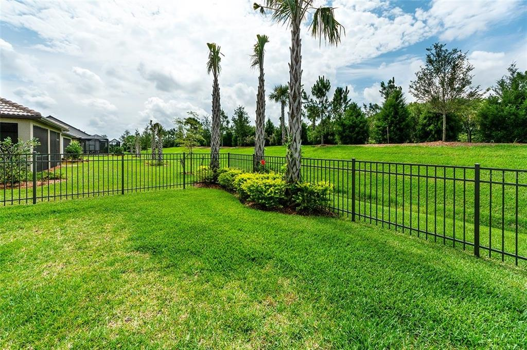 Single Family Home for sale at 16926 Winthrop Pl, Bradenton, FL 34202 - MLS Number is A4427892