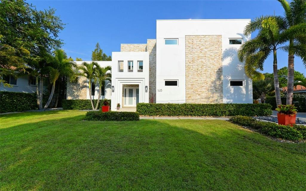 Single Family Home for sale at 1415 Flower Dr, Sarasota, FL 34239 - MLS Number is A4429463