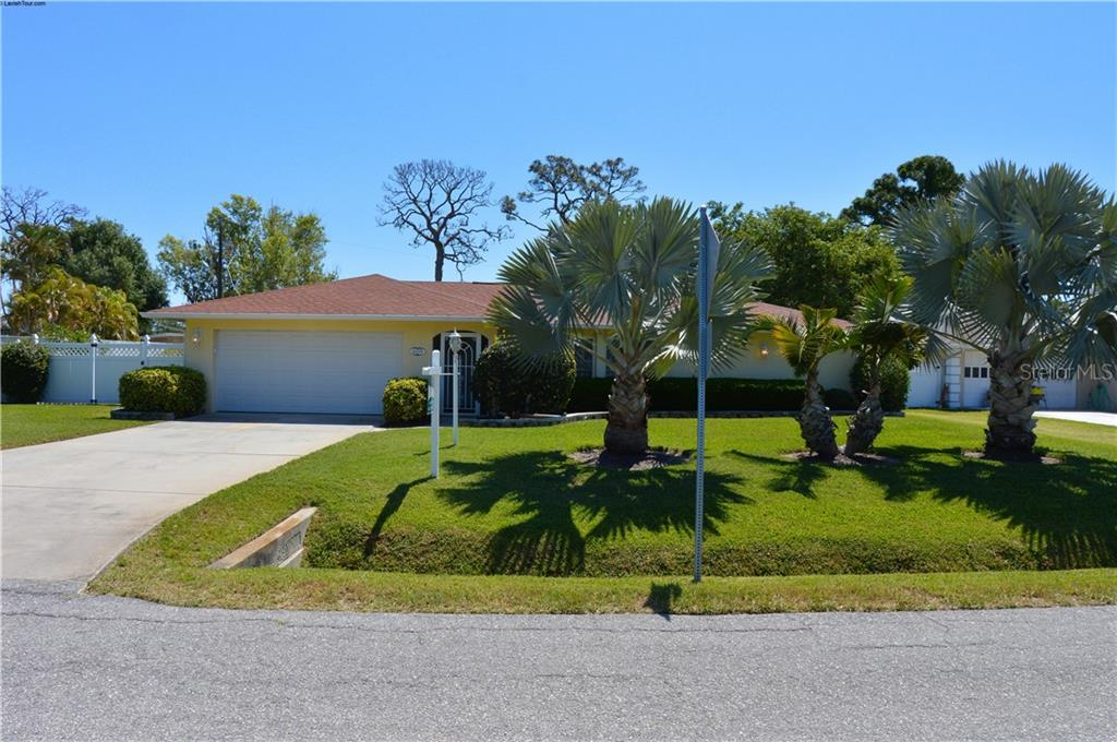 Single Family Home for sale at 6019 Hollywood Blvd, Sarasota, FL 34231 - MLS Number is A4429814