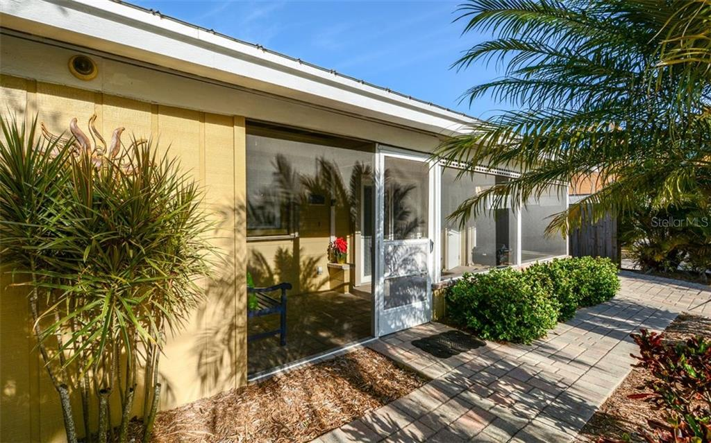 Screened in porch for 5288 - Duplex/Triplex for sale at 5290 Avenida Navarra, Sarasota, FL 34242 - MLS Number is A4432152