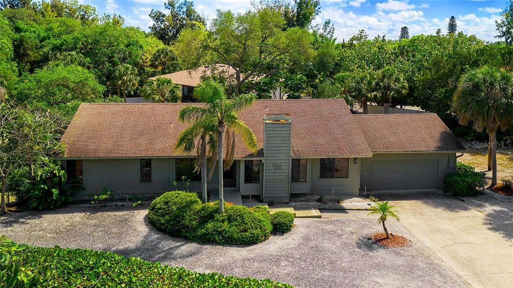 Single Family Home for sale at 1302 Roberts Bay Ln, Sarasota, FL 34242 - MLS Number is A4433097