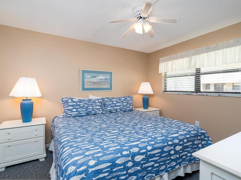 Master Bedroom En Suite - Condo for sale at 4621 Gulf Of Mexico Dr #14d, Longboat Key, FL 34228 - MLS Number is A4435849
