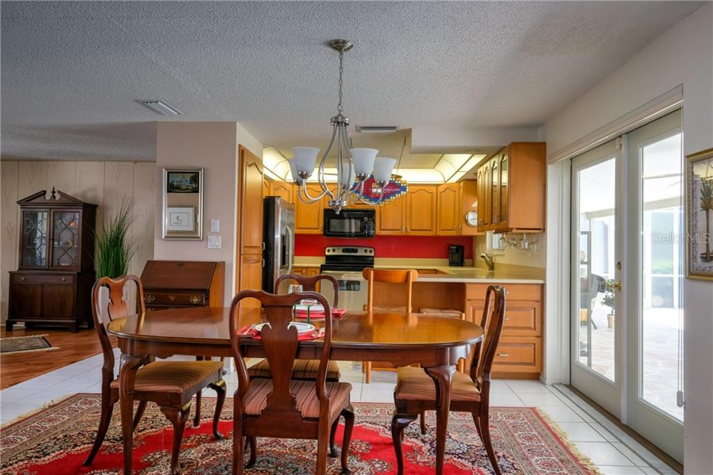 Single Family Home for sale at 6462 Beechwood Ave, Sarasota, FL 34231 - MLS Number is A4436790