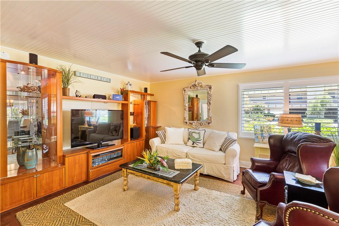 Villa for sale at 4810 Gulf Of Mexico Dr, Longboat Key, FL 34228 - MLS Number is A4437978