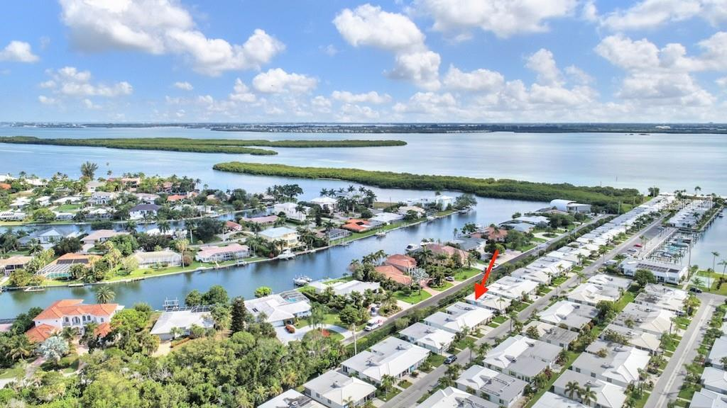 Proximity to clubhouse, marina and pool - Villa for sale at 717 Spanish Dr N, Longboat Key, FL 34228 - MLS Number is A4438337