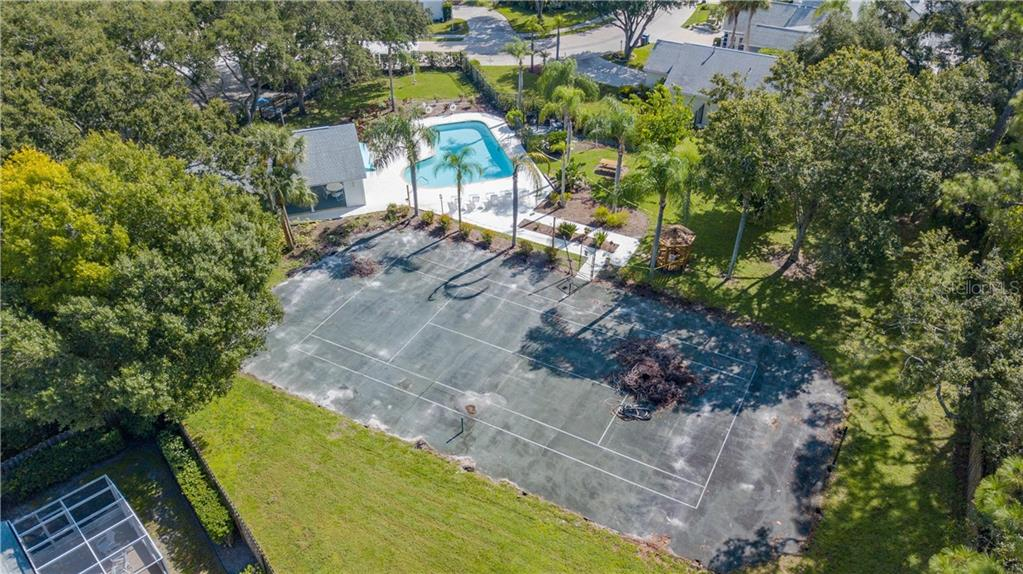 Single Family Home for sale at 7836 Ontario Street Cir, Sarasota, FL 34243 - MLS Number is A4439482
